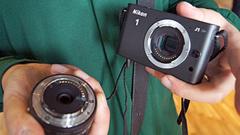 Nikon 1: primo contatto con le mirrorless J1 e V1