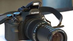 Fujifilm X-S1: ecco il primo esemplare in Italia