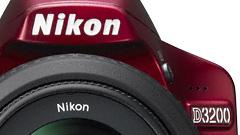 Ufficiale la nuova Nikon D3200 con 24 megapixel e adattatore Wi-Fi