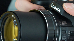 Panasonic Lumix FZ200: superzoom 25-600mm F2.8
