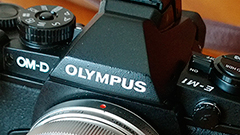 Olympus OM-D E-M1: anello di congiunzione tra reflex e mirrorless