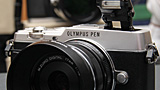 Olympus PEN E-P5: eccola dal vivo in video