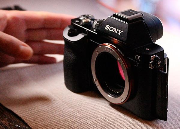 sony alpha a7 a soli 999 con ottica 28 70mm occasione da non perdere fotografi digitali. Black Bedroom Furniture Sets. Home Design Ideas